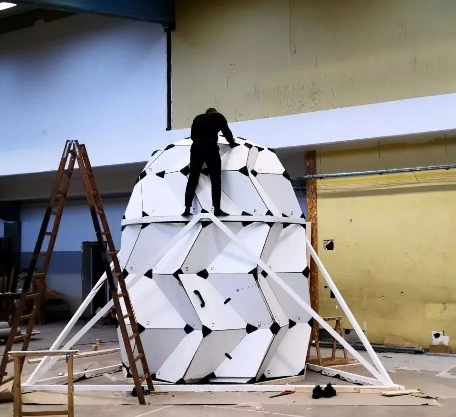 去了月球住哪里?俩丹麦小哥设计好了!还去北极实验了100天~